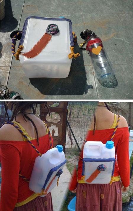 Mochila con garrafa de plástico - A3Recoloart