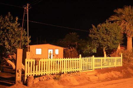 Viviendas hechas con palés o tarimas. Bahía de Kino - México - Mario A. Tapia