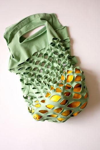 Bolsa hecha con camisetas - Deliacreates.com