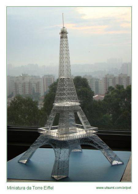 Miniatura da torre eiffel - La artesanía con botellas Pet de Takashi Utsumi