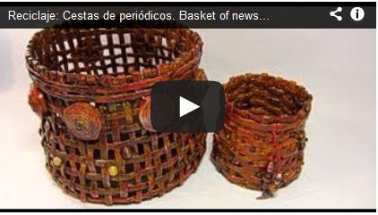 Reciclaje: Cestas de periódicos. Basket of newspaper.