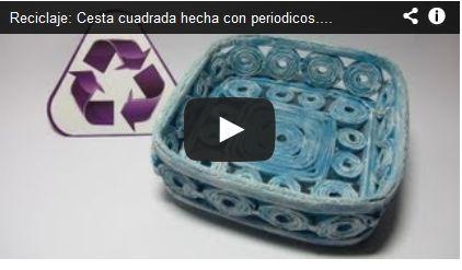 Reciclaje: Cesta cuadrada hecha con periodicos.