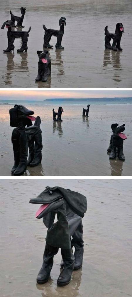 Perros hechos con botas desechadas realizadas por el artista David Kemp