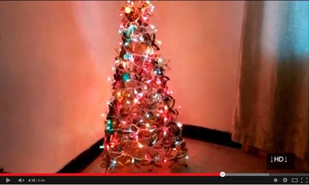 Árbol de navidad hecho con un trípode - LidiaZuniga