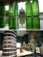 Construcción de muros con botellas de cristal.
