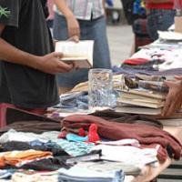 Mercado de Trueque en el casco viejo de Vitoria.